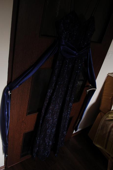 Plesové šaty- 1x oblečené, 38