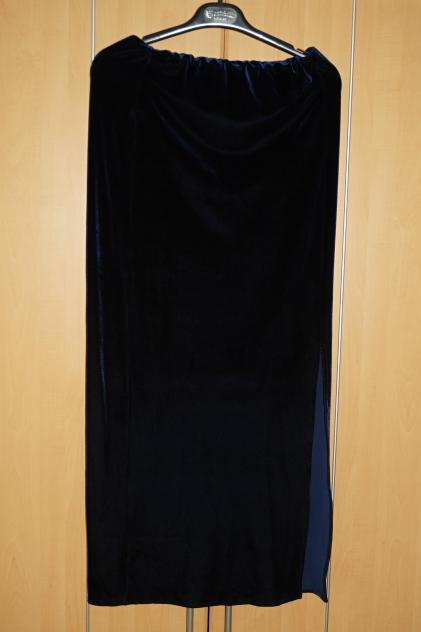 Sametová sukně, 40