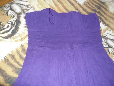 korzetové šaty, 44