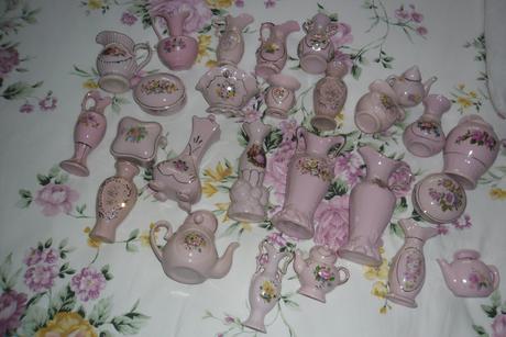 mix ružovej keramiky,
