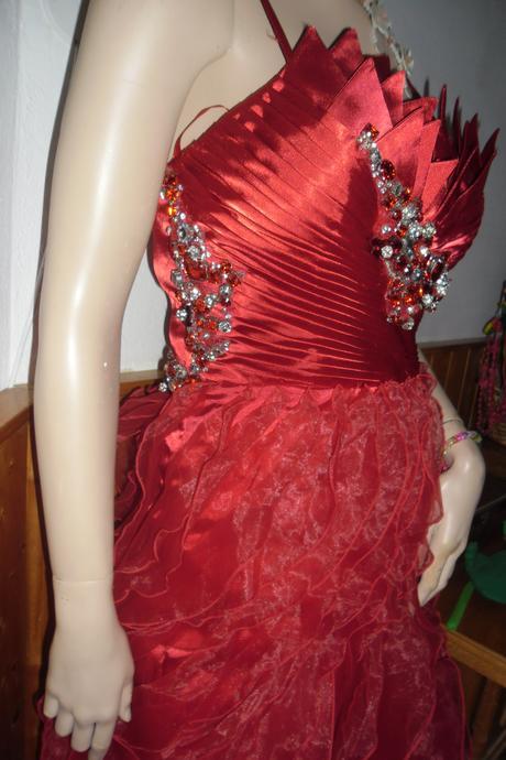 šaty na ples, 38