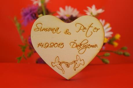 Drevená svadobná magnetka ako darček pre hosti 14,
