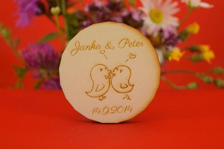 Drevená svadobná magnetka ako darček pre hosti 17,