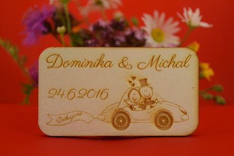 Drevená svadobná magnetka ako darček pre hosti 36,