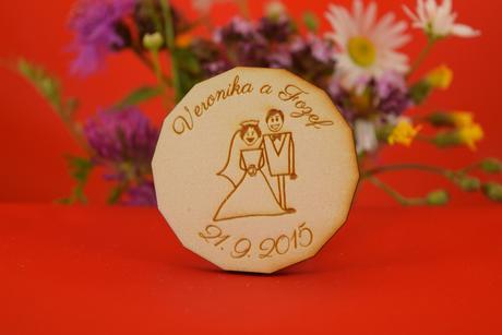 Drevená svadobný magnetka ako darček pre hosti 4,