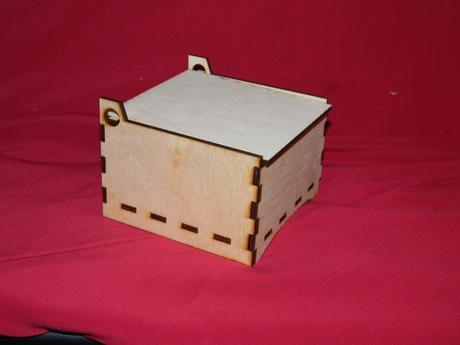 Krabička z preglejky 10x10x6,5,