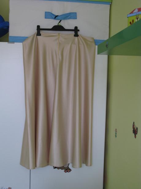 Svatební šaty s bolerkem - barva šampaň, 52