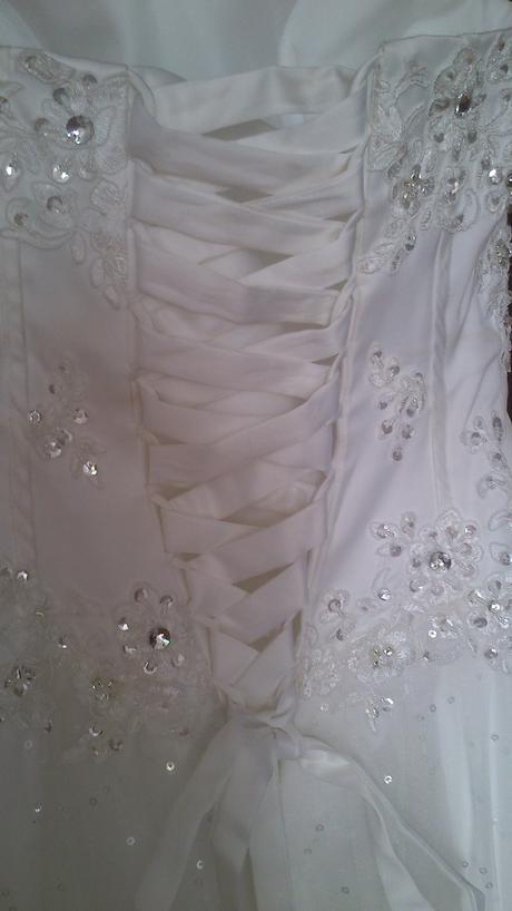 Svadobné šaty a závoj 36-38 , 36