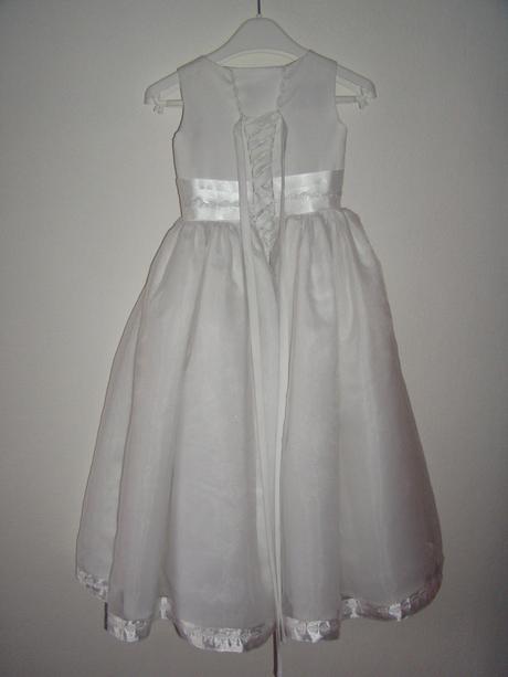 bílé šatečky s tylovou sukýnkou, 28