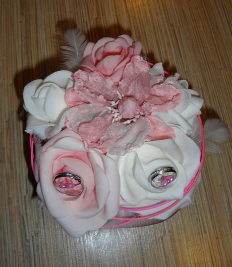 Polštářek na prstýnky - květináč s květy,