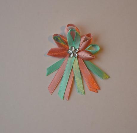 Vývazky mátovo (mint) růžové s kytičkou,