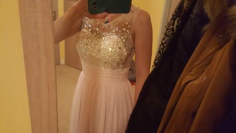 Ružové šaty, 38