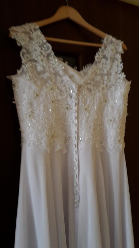 Svadobné šaty, 40