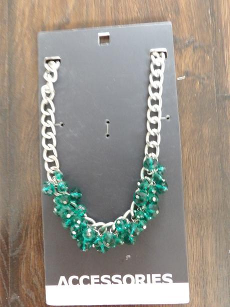 náhrdelník s kamínky,
