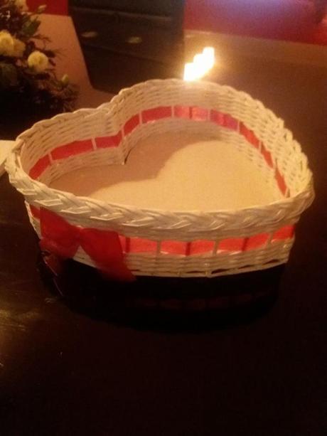 Košíčky pletené z papíru,