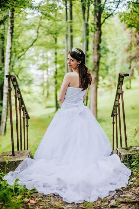 svatební šaty + spodnička, 36