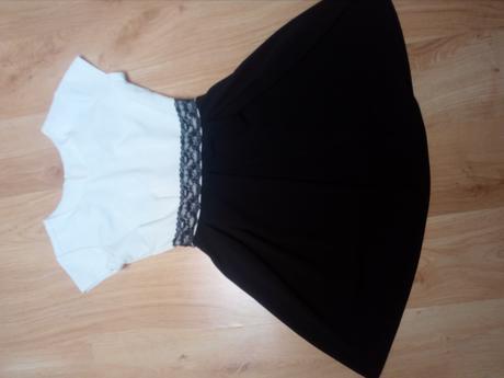 Bieločierne šaty, 40