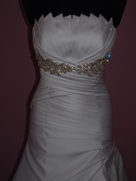 Snehobiele šaty, 38
