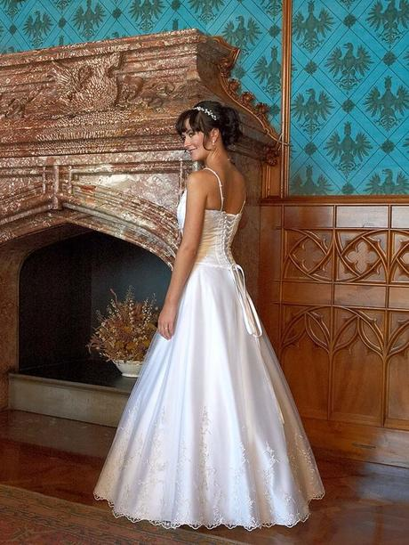 korzetové svadobné šaty, 40
