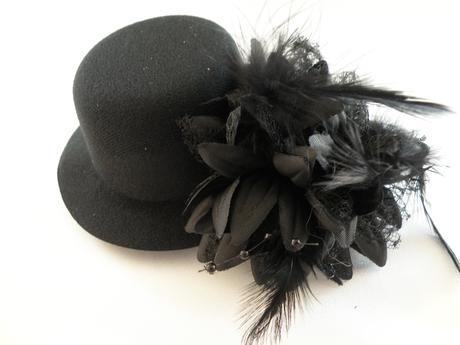 kvet s klobúčikom,