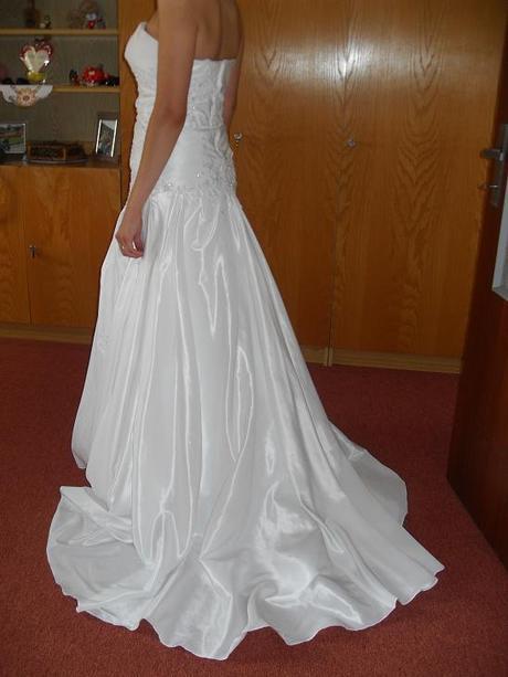 Biele svadobne šaty , 38