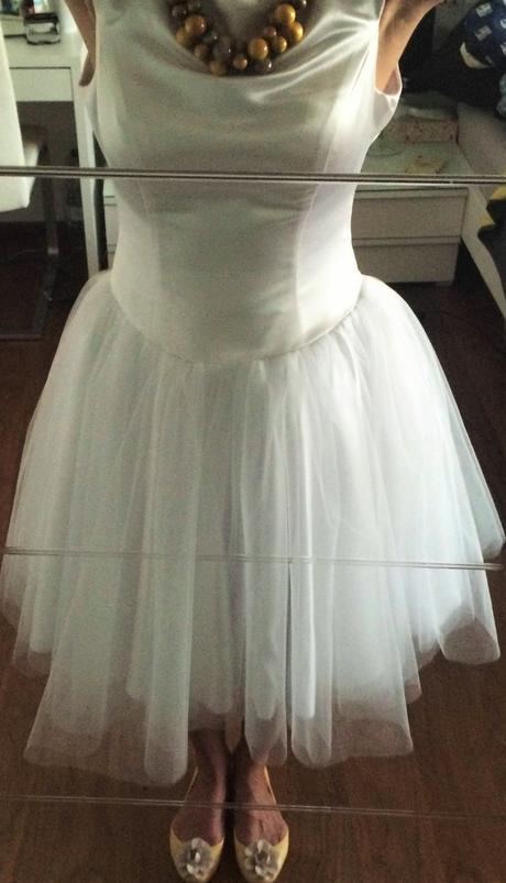 Nadčasové krátke svadobné šaty , 38
