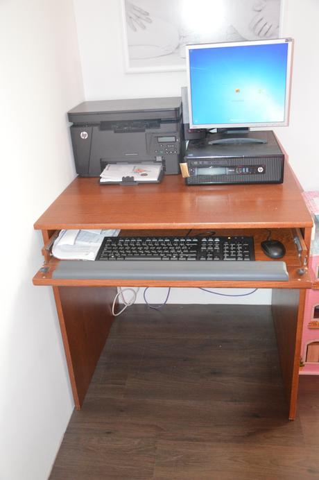 písací stolík ,