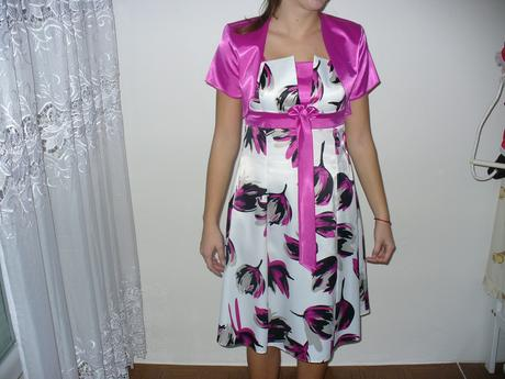ružovo biele šaty, 38