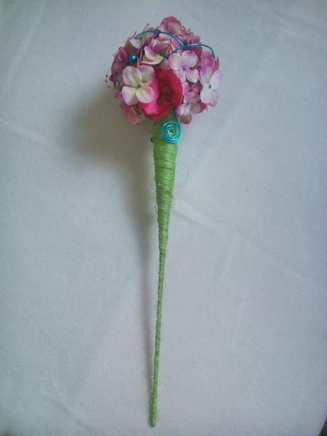Kytica z hortenzií a orchideí, cyklámen-tyrkysová,