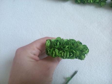 Papierové ruže malé na oznámenia,pierka,
