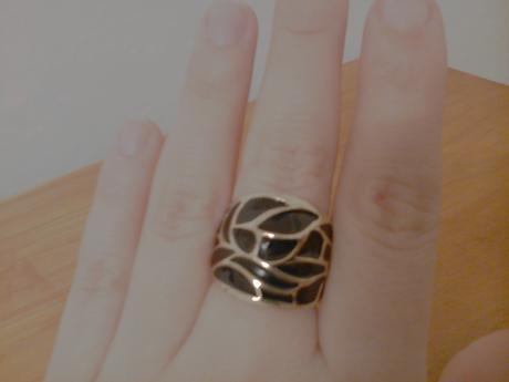 Zlato- čierny prsteň, zn. Six, nepoužitý,