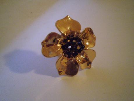 Zlatý prsteň - bižu,zn. Six,nenosený,