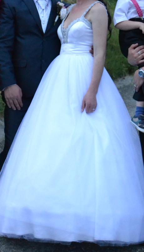 Šaty svadobné, 38