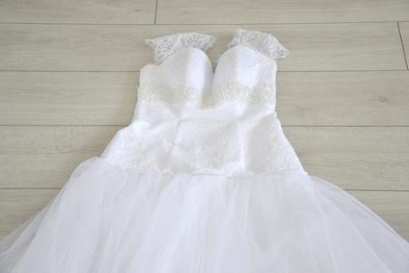 Svadobné šaty na nižšiu postavu, 38