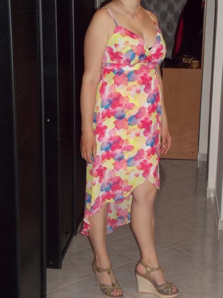 Letní lehounké a asymetrické šaty , 40