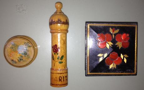 3 drevené miniatúry,