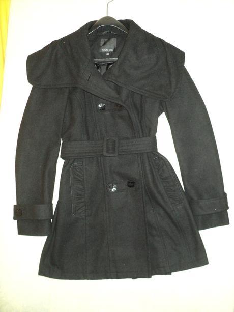 Čierny zimný kabát, 40
