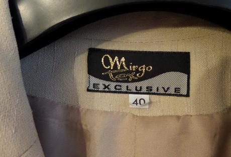 Elegantní slušivý kalhotový kostýmek, 40