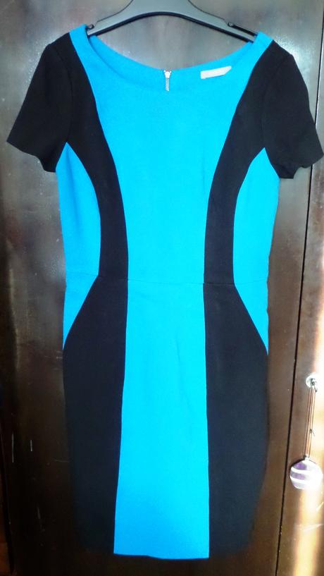 Elegantní zeštíhlující šaty, S
