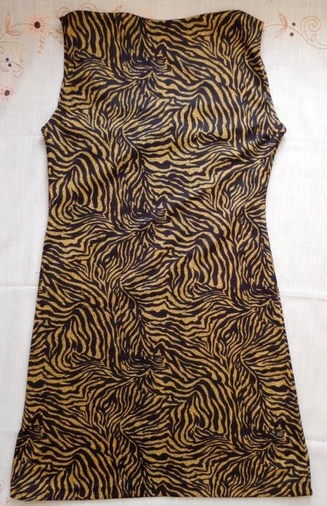 Příjemné nemačkavé šaty vel. L/XL, 40