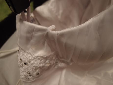 Svadobné šaty na ramienka, 40