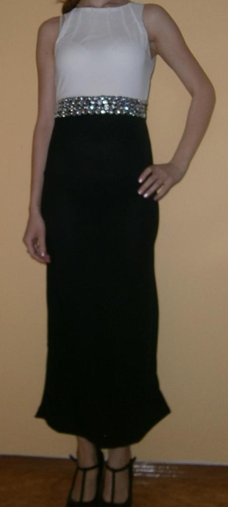 Spoločenské šaty bielo čierne, 36