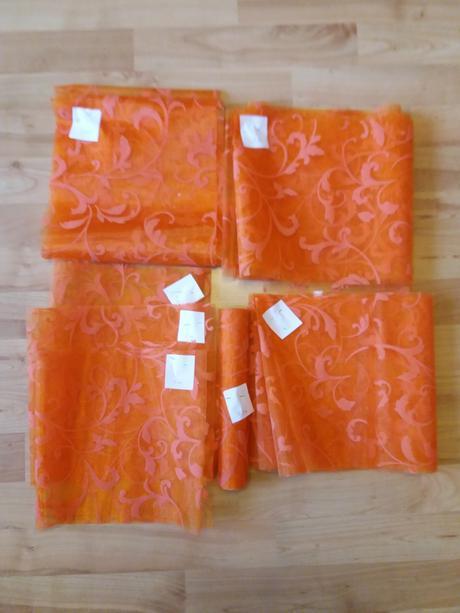 Organza vzorovaná oranžová, šíře 23,5 cm,