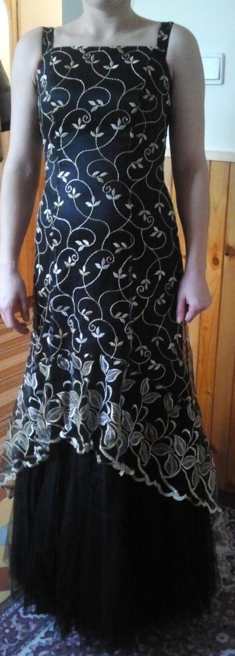 Elegantné plesové šaty, 36