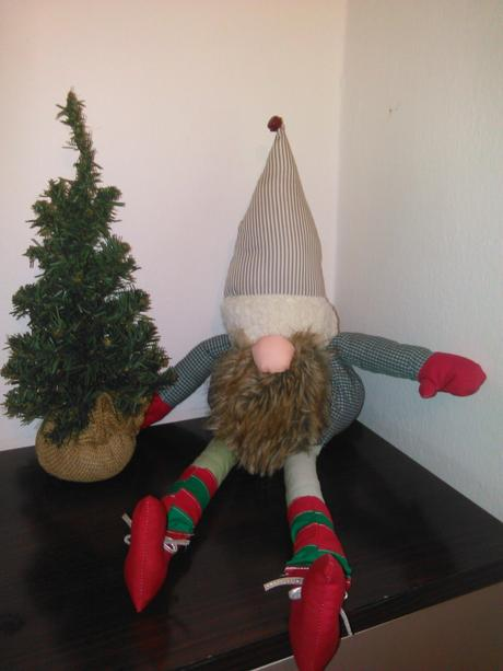 vianočný trpaslík s rolnickou,