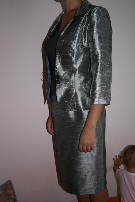 Elegantný sukňový kostým, 38