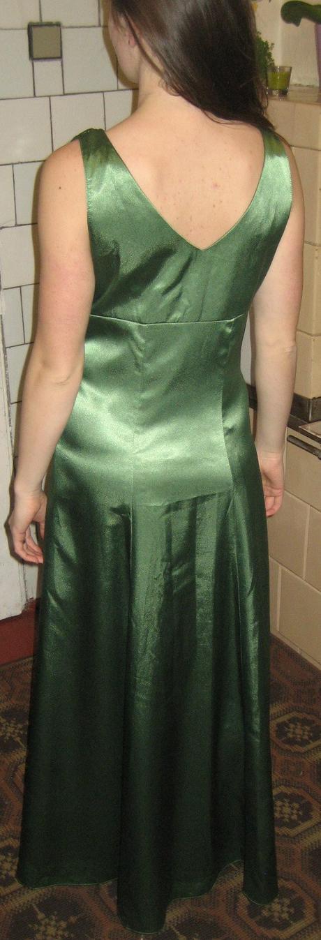 Saténové spoločenské šaty č.38-40, 38