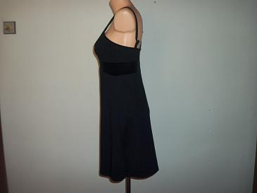 nádherné šaty, 36