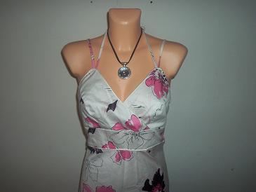 nádherné šaty, M