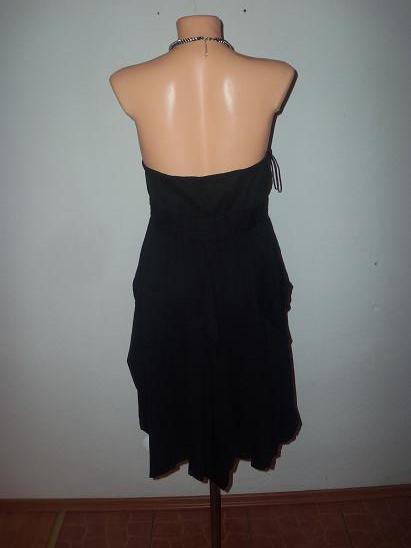 nádhernéš šaty, S